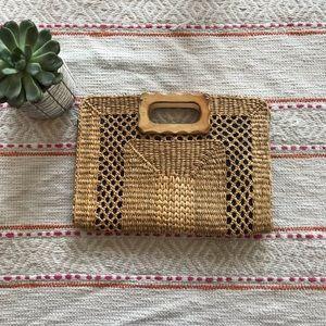 Handbags - Woven wicker straw clutch/ basket purse/ handbag